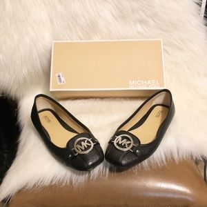 Michael Kors Shoes - Michael Kors Lillie Moccasin Flats 🌟🥿